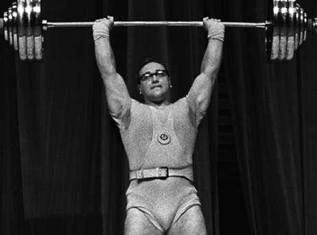 Юрий петрович власов советский тяжелоатлет.