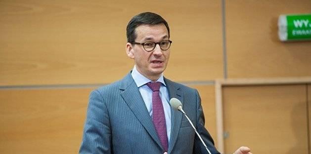Генеральный секретарь НАТО Йенс Столтенберг призвал Россию `уважать суверенитет и территориальную целостность независимого государства — Беларуси`, `не вмешиваться в происходящее там`. Он заверил, что в регионе якобы `нет концентрации войск НАТО`.