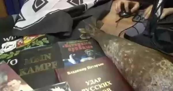 Уже отметился комментарием террорист, бывший заместитель командира нацистского батальона `Азов`*, экс-депутат Верховной рады Украины Игорь Мосийчук: ` В Воронеже (этнически украинский город) ФСБ задержала молодёжную группу людей, которых называют неонацистами и сторонниками украинской радикальной группы «МКУ».