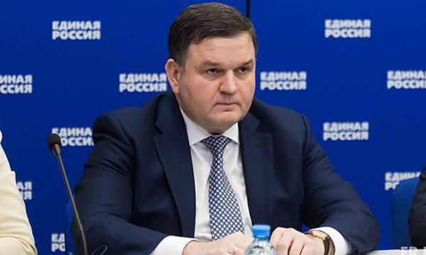 Негативно воспринял данную информацию первый запред Комитета Госдумы РФ по экологии и охране окружающей среды Николай Валуев, он же Коля-кувалда и дядя Коля.
