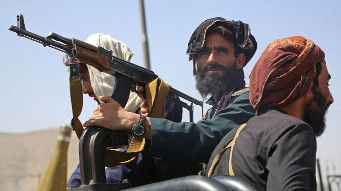 Пыль неопределённости, поднятая внезапным падением Кабула, понемногу начала оседать, выявляя контуры новой системы международных отношений, которая формируется на обломках либерал-глобализма.