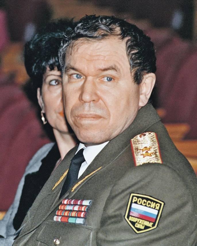 Генерал Лев Яковлевич Рохлин — человек легендарный. Его военный путь через Афганистан и Чечню отмечен множеством ран, подвигами и орденами.