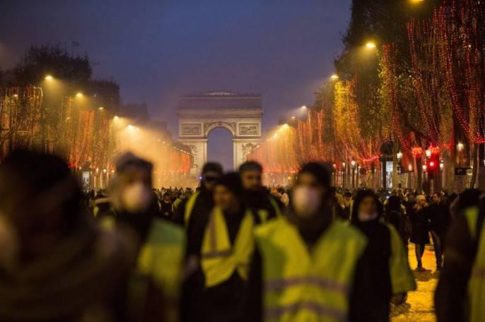 Эдуард Лимонов: Во Франции, похоже, революция! 13.12.2018