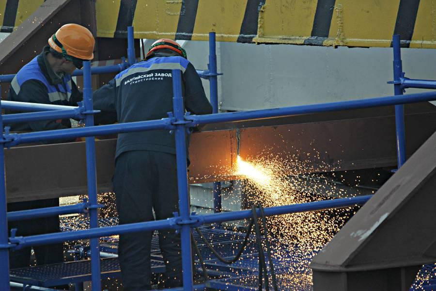 В РФ спущен наводу 2-ой ледокол нового проекта 22220