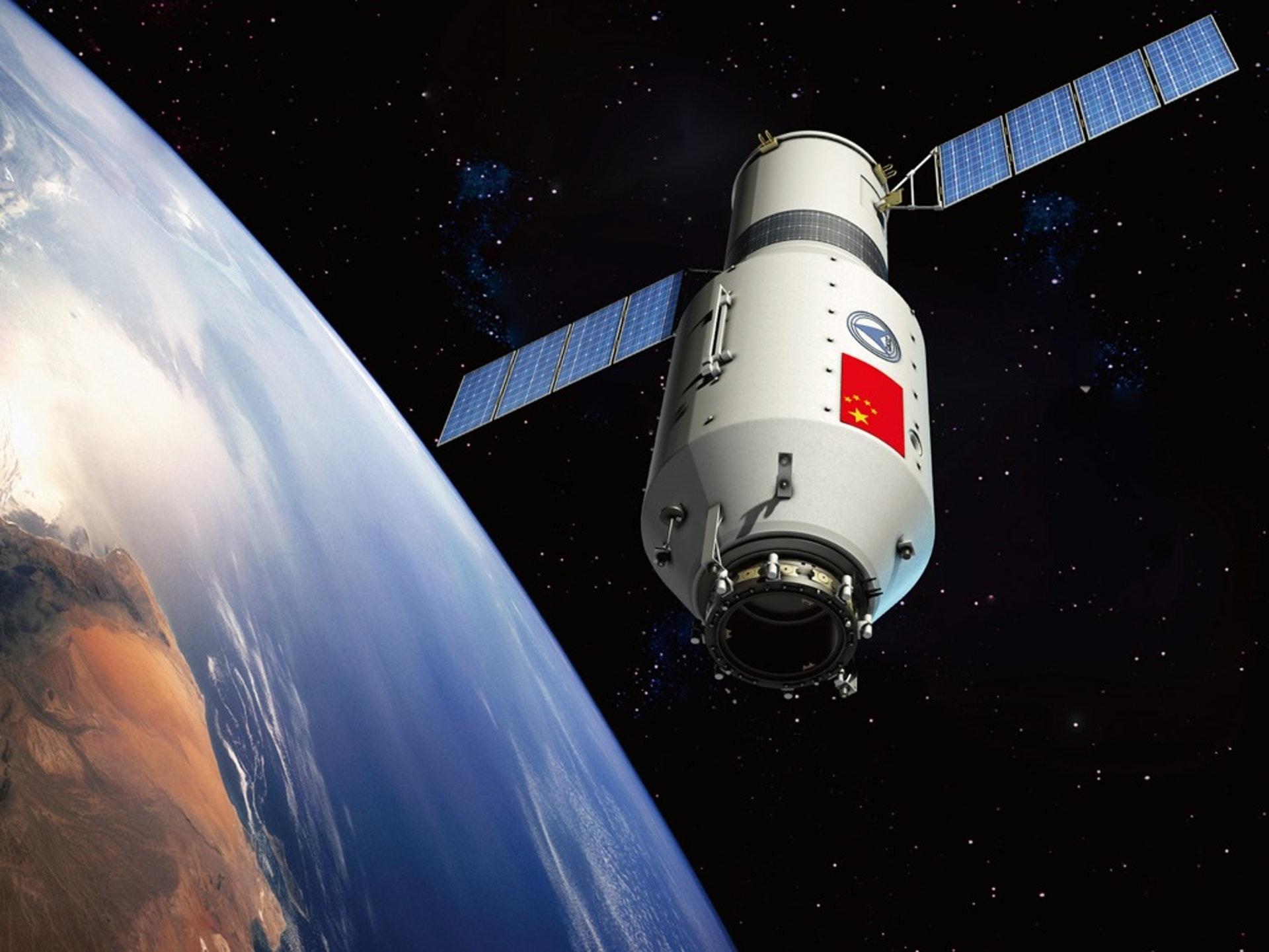 Китай также провел и планирует провести дополнительные миссии по исследованию Луны, и он намеревается установить роботизированную исследовательскую станцию на Луне, а затем направить экипаж лунной базы.