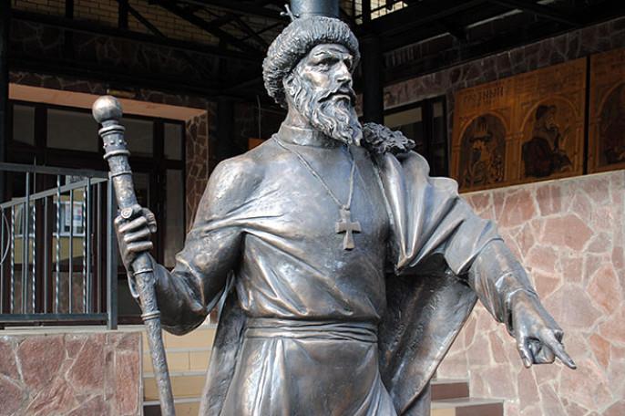 ВАлександрове установили монумент Ивану Грозному иуже через час снесли