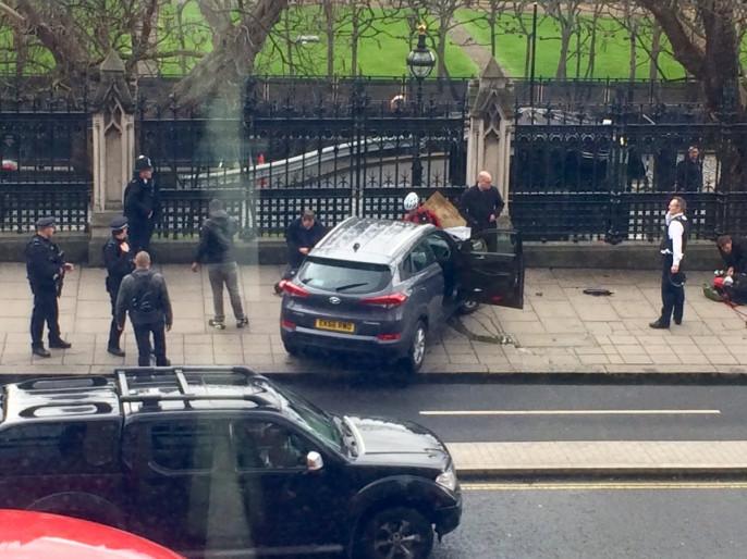 Около английского парламента открыта стрельба: необошлось без жертв