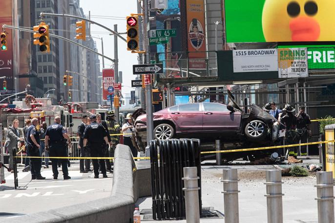 Размещено видео сместа наезда напешеходов вНью-Йорке
